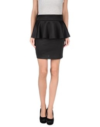 Minimal Mini Skirts Black