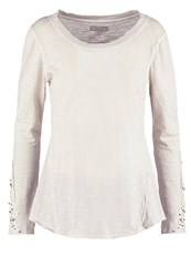 Cream Sonja Long Sleeved Top Kit Off White