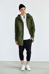 Alpha Industries X Uo Long Fishtail Parka Olive