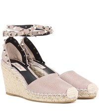 Valentino Garavani Rockstud Leather Wedges Beige