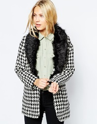 Glamorous Dogtooth Jacket With Detachable Fur Collar Blkwht