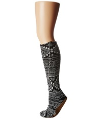 Volcom Moclov Mukluks Black Women's Crew Cut Socks Shoes