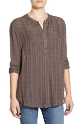 Junior Women's Lush Textured Button Front Blouse
