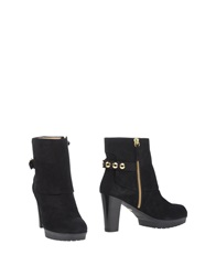 Martin Clay Ankle Boots Black