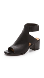 Coclico Zorah Block Heel Sandals Black