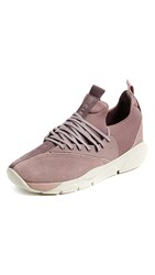 Clear Weather Cloud Stryk Sneakers Pink