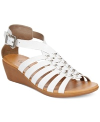 Bare Traps Mallery Flat Wedge Sandals Women's Shoes White