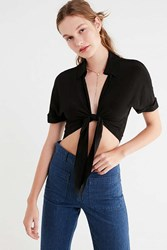 Urban Outfitters Uo Tie Front Short Sleeve Cropped Top Black