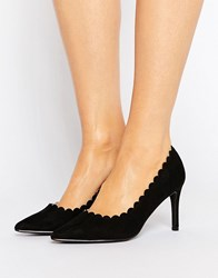 London Rebel Scallop Detail Court Shoe Black