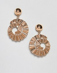 Monki Ribbed Circle Earrings In Gold