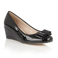 Lotus Asela Shiny Wedges Black
