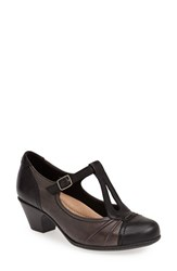 Earthr Women's Earth 'Wanderlust' T Strap Pump Black