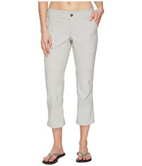 Columbia Pilsner Peak Capri Pants Flint Grey Oxford Women's Capri Gray