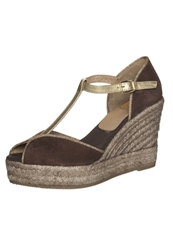Kanna Wedge Sandals Caoba Or Brown