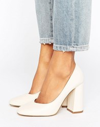 Lost Ink Freda Flared Block Heeled Shoes Cream