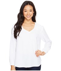 Dylan By True Grit V Neck With Crochet White Tee Women's Long Sleeve Pullover
