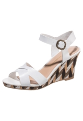 Chocolate Schubar Ebony High Heeled Sandals White