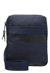 Calvin Klein Jeans Cooper Flat Crossover Across Body Bag Black