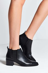 Urban Outfitters Emira Chelsea Boot Black