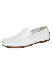 Pier One Moccasins White