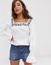 Prettylittlething Blouse With Square Neck And Embroidery In White