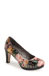 Blondo 'Valora' Platform Pump Women Black Floral Crocodile Print