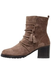 Kennel Schmenger Sue Boots Tundra Brown