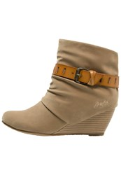 Blowfish Beryl Wedge Boots Weat Fawn Beige