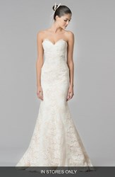 Women's Carolina Herrera 'Dahlia' Strapless Lace Trumpet Gown In Stores Only