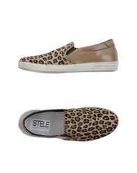 Stele Footwear Low Tops And Trainers Women