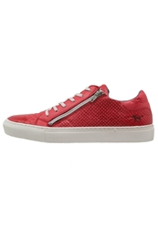 Mustang Trainers Rot Red