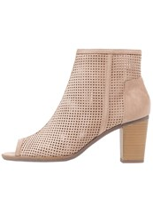 Dorothy Perkins Antonia Ankle Boots Cream Beige