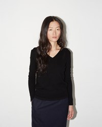 Moderne Portrait V Neck Sweater Black