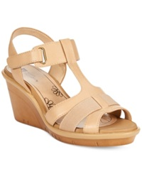 White Mountain Big Apple Platform Wedge Sandals Women's Shoes Honey