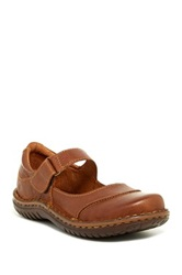 Born Josi Mary Jane Shoe Brown