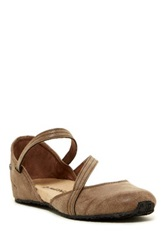 Bearpaw Mallory Flat Brown