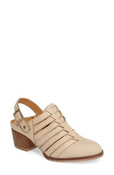 Pikolinos Women's Andorra Pump Sand Leather
