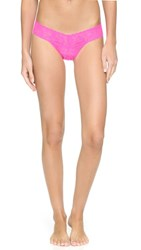 Hanky Panky Petite Signature Lace Low Rise Thong Passionate Pink