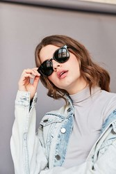 Urban Outfitters Carmella Round Sunglasses Black