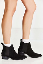 Urban Outfitters August Pointy Toe Chelsea Boot Black