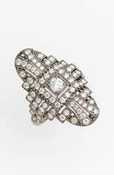 Kwiat 'Vintage' Oval Diamond Ring White Gold