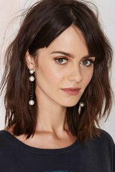 Nasty Gal With A Twist Chain Earrings