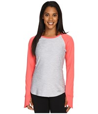 The North Face Motivation Long Sleeve Top Tnf Light Grey Heather Calypso Coral Women's Long Sleeve Pullover Orange