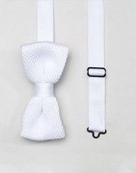 Noose And Monkey Knitted Bow Tie White