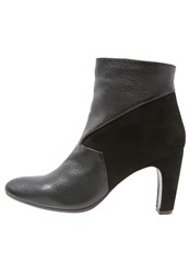 Chie Mihara Flint Ankle Boots Black