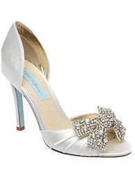 Betsey Johnson Gown Satin Pumps Ivory