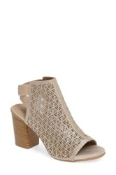 Kenneth Cole Reaction Fridah Fly 2 Bootie Metallic