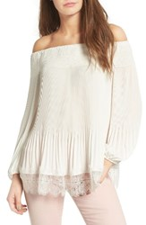 Chelsea 28 Women's Chelsea28 Pleated Off The Shoulder Top White Snow