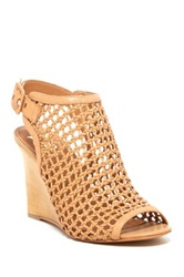 Vc Signature Cleone Woven Wedge Sandal Brown