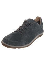 Viking Ulv M Gtx Trainers Charcoal Blue Dark Gray